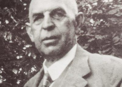 August Bernhard
