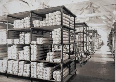 Fertigwarenlager der Futterstoff-Abteilung