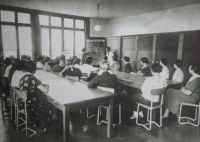 Mitarbeiterinnen im medizinischen Unterricht