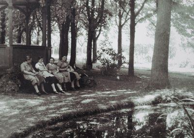 Mittagspause bei den Mitarbeitern von Becker+Bernhard im werkseigenen Park